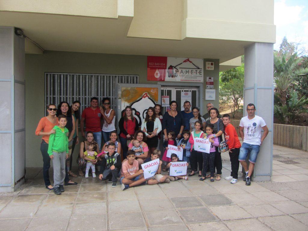 Taller de padres y entrega de ayudas de material escolar de Fundación DISA